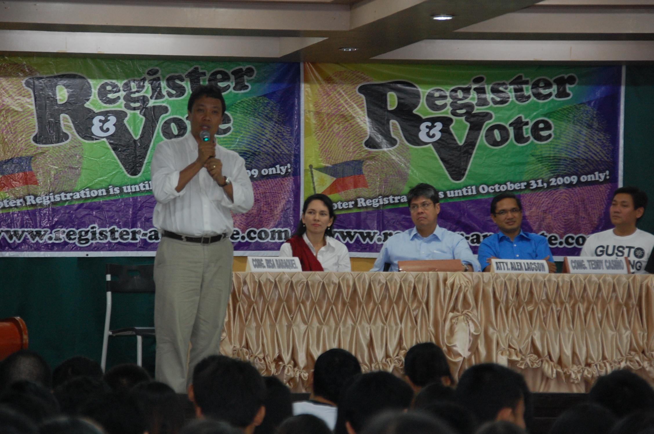 Neric Acosta (photo by Irene / www.mindanaoan.com)