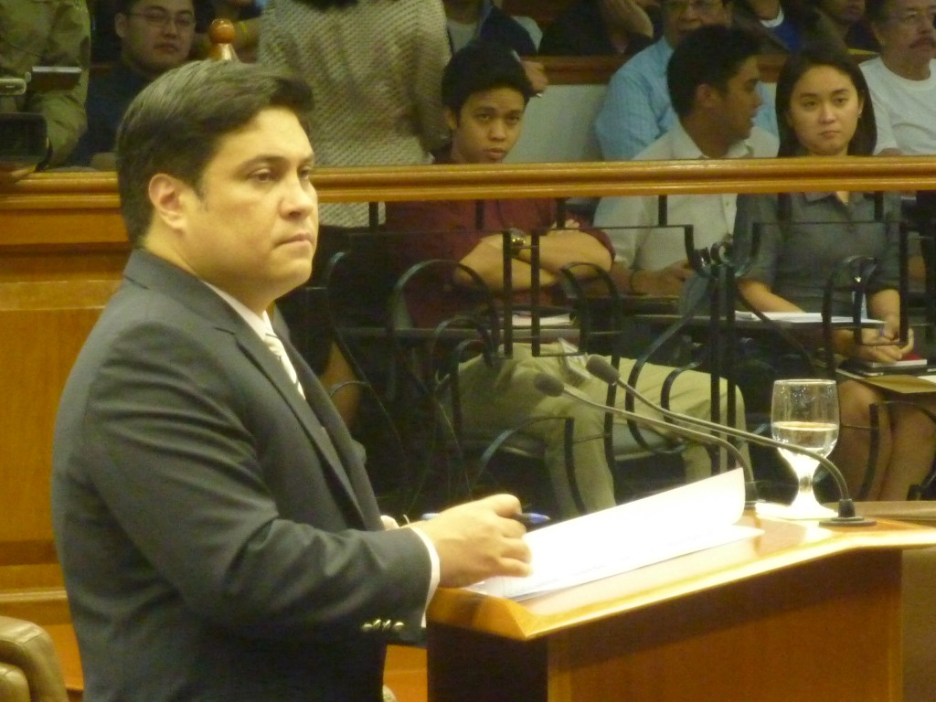 migs zubiri at senate | photo by www.BukidnonOnline.com