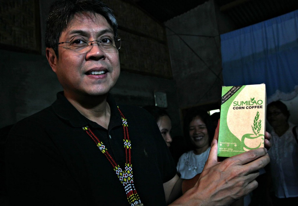 Senator Francis Pangilinan and Sumilao Bukidnon corn coffee