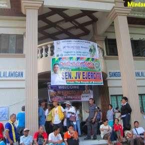 jv-ejercito-visits-bukidnon