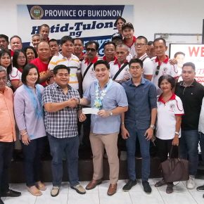 In Photos: Migs Zubiri delivers Php 6M donation from Bukidnon to Taal survivors
